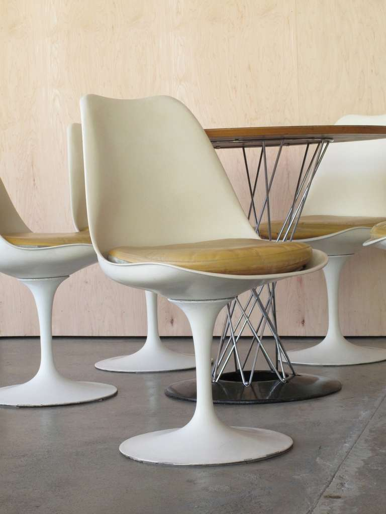 1960s Eero Saarinen Tulip Chairs Set Of 5 At 1stdibs
