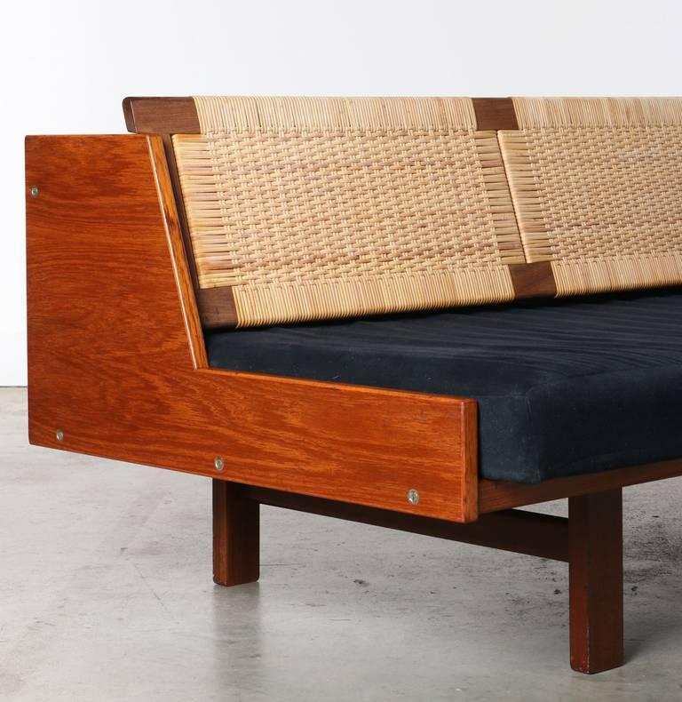 Hans Wegner Daybed Sofa For Getama 1956 At 1stdibs