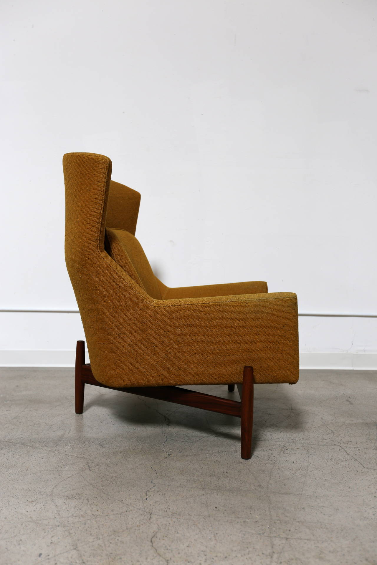 Rare Lounge Chair by Jens Risom at 1stdibs