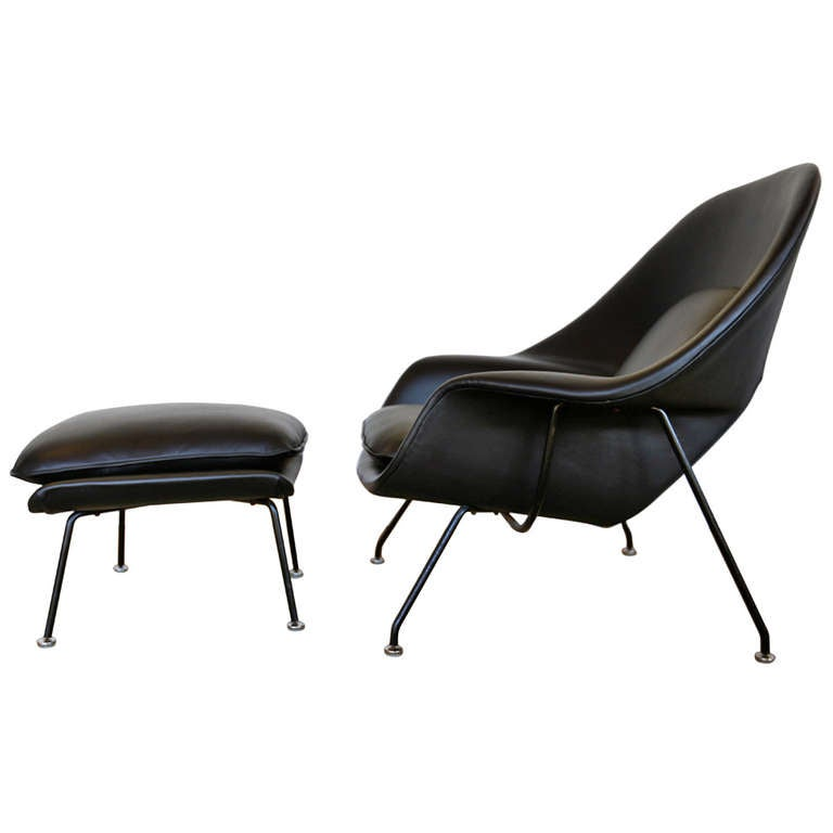 Early Black Leather Eero Saarinen ''Womb Chair'' ...