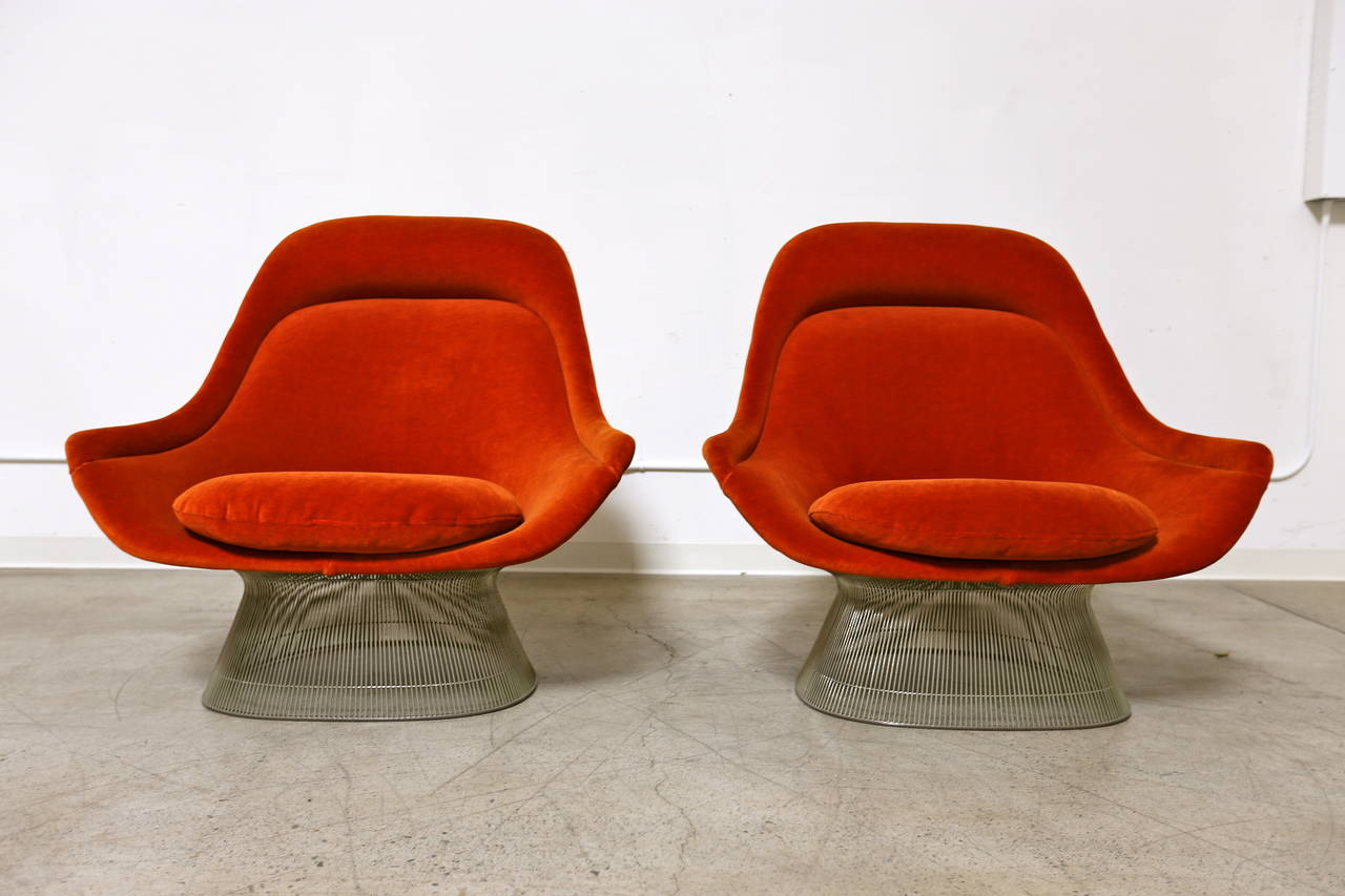 Captivating Pair Of Burnt Orange Lounge Chairs By Warren Platner For Knoll, 1976.