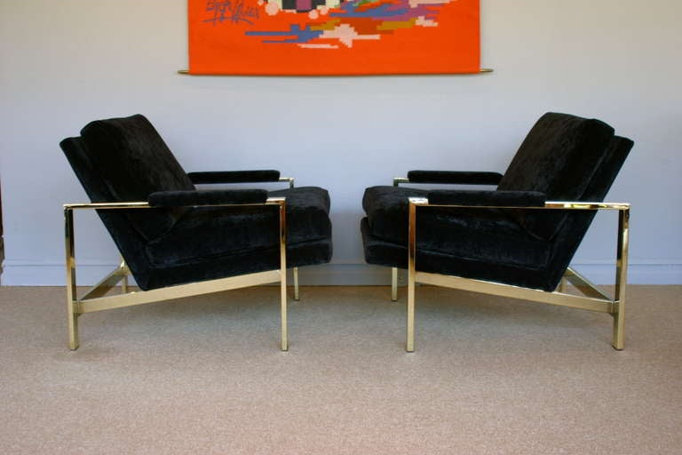 Beau Pair Of Mirror Polished Brass Lounge Chairs By Milo Baughman For Thayer  Coggin.