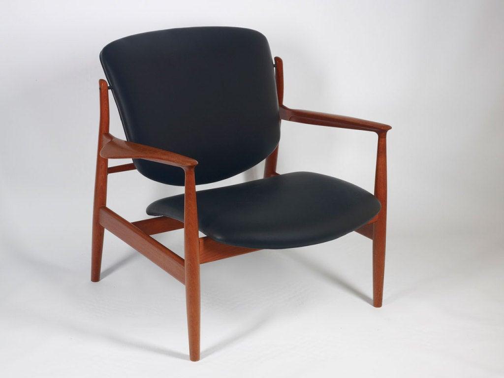 finn juhl easy chair model 136 at 1stdibs. Black Bedroom Furniture Sets. Home Design Ideas
