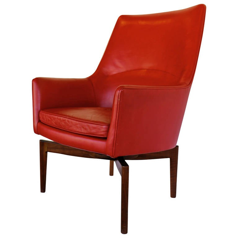 High back leather swivel lounge chair by jens risom at 1stdibs for Swivel club chair leather
