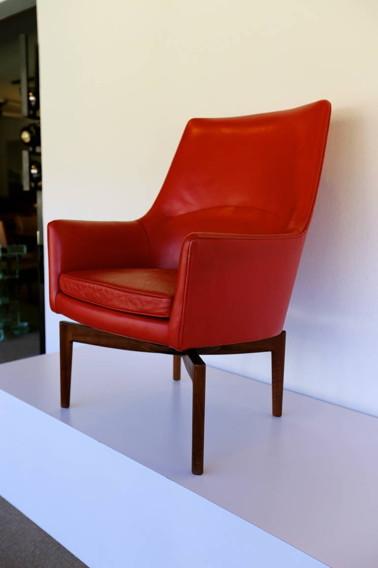 High Back Leather Swivel Lounge Chair By Jens Risom For