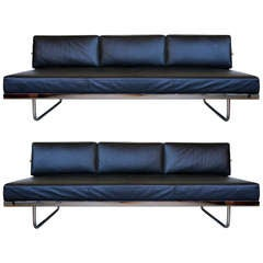 Pair of Le Corbusier LC5 Sofa Day Beds by Cassina