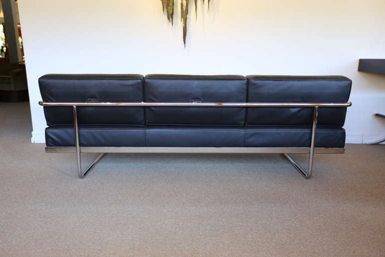 Pair Of Le Corbusier Lc5 Sofa Day Beds By Cassina At 1stdibs