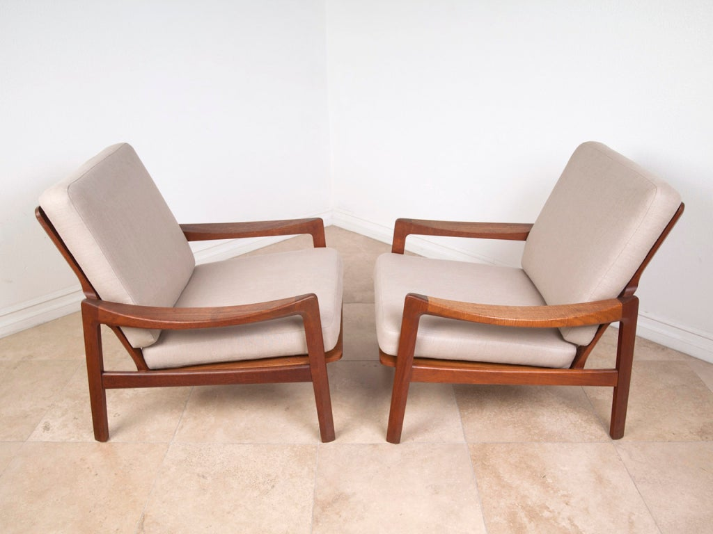 Pair Of Danish Modern Teak Lounge Chairs At 1stdibs