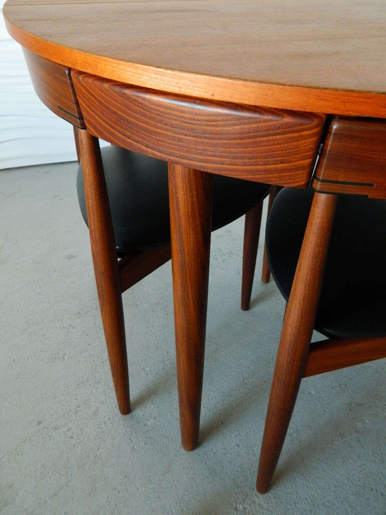 Hans Olsen Table And Chairs For Frem Rojle At 1stdibs