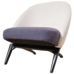 Theo Ruth for Artifort Lounge Chair In Navy and White