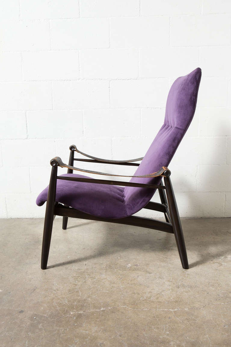 Muntendam Mid Century Lounge Chair With Leather Arms At