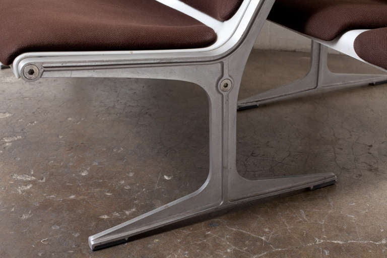 Friso Kramer for Wilkhahn Two-Seater Bench In Good Condition For Sale In Los Angeles, CA