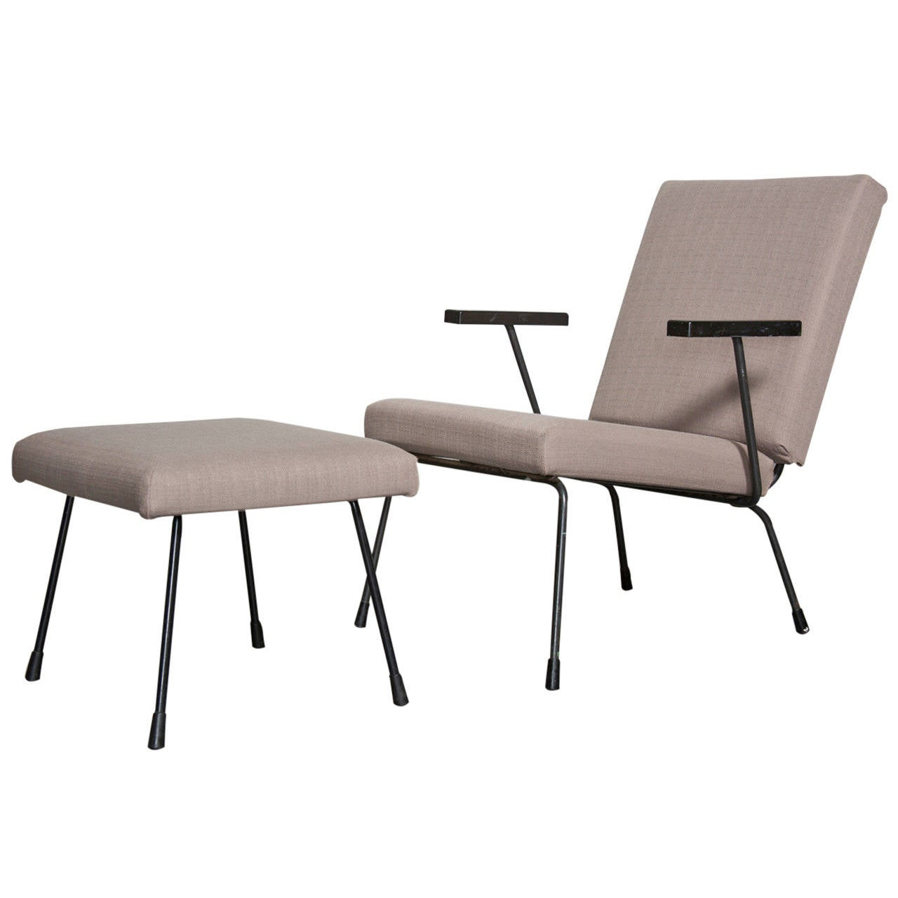 Wim Rietveld 1407 Lounge Chair and Matching Ottoman for Gispen
