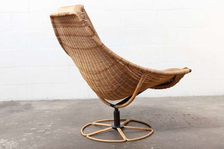 Dutch Gerard Van Den Berg Leather And Rattan Lounge Chair For Montis For Sale