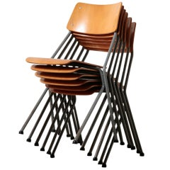 Set of 6 Ahrend Stacking Chairs