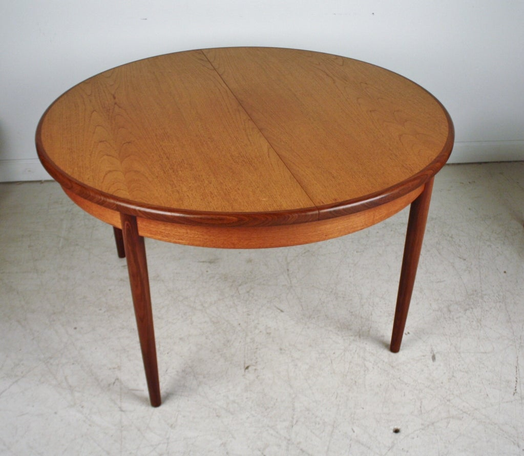 G-Plan Dining Expandable Dining Table And Chairs At 1stdibs
