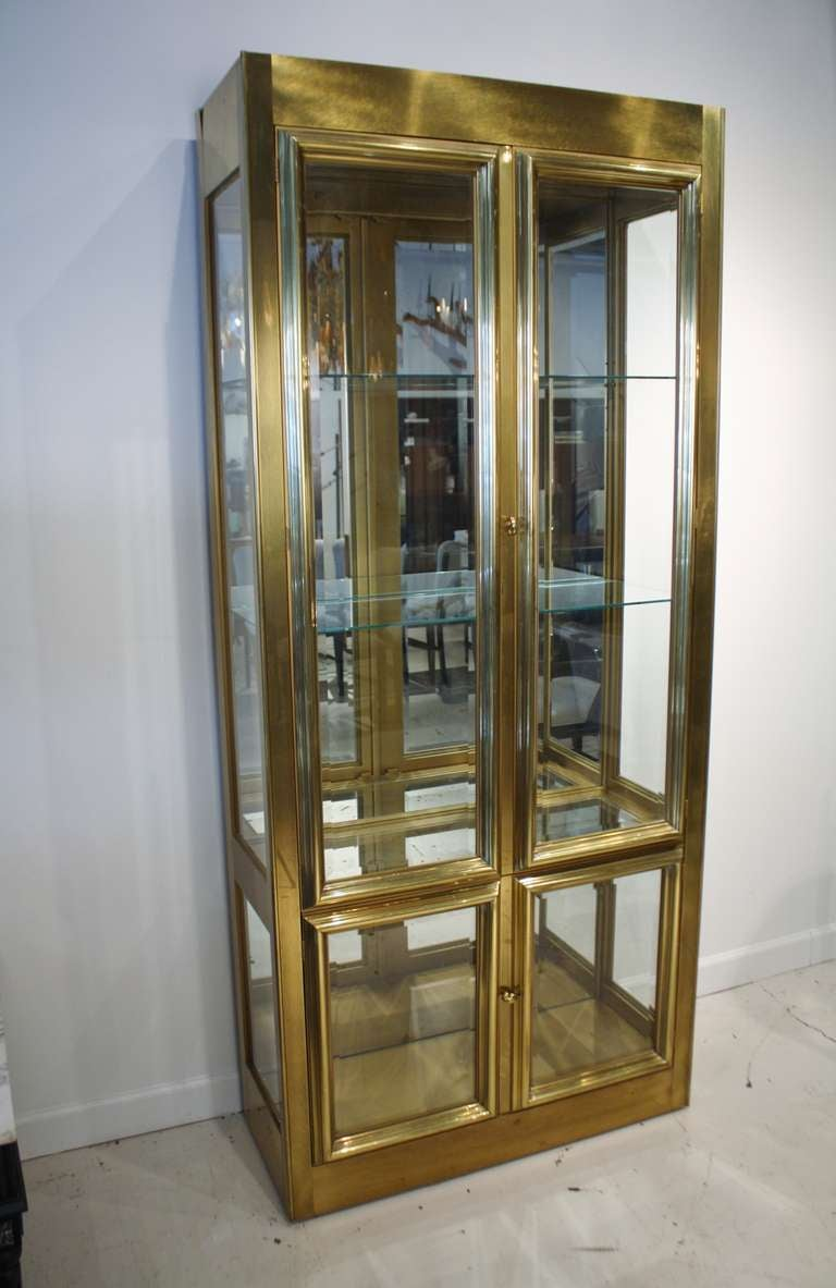 mastercraft brass and glass vitrine at 1stdibs. Black Bedroom Furniture Sets. Home Design Ideas