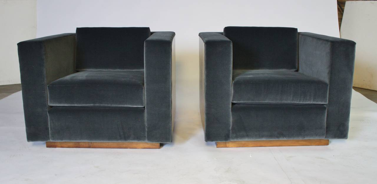 Stunning Pair Of Mid Century Cube Club Chairs By Milo Baughman Beautifully  Reupholstered In Charcoal