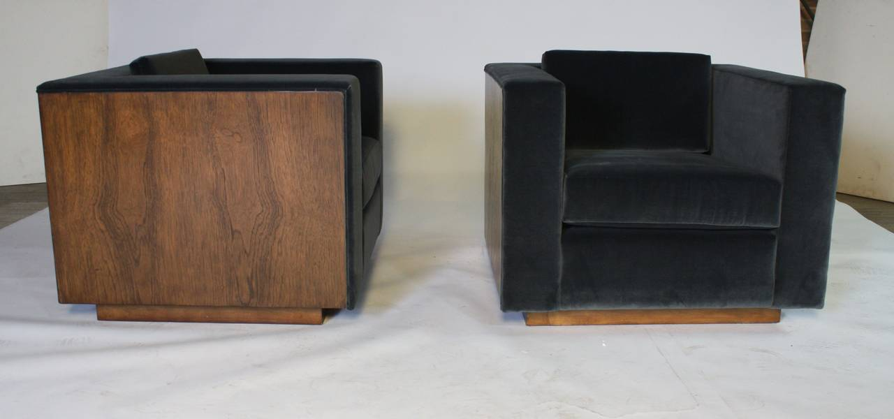 Pair of Wood Frame Cube Club Chairs by Milo Baughman 8