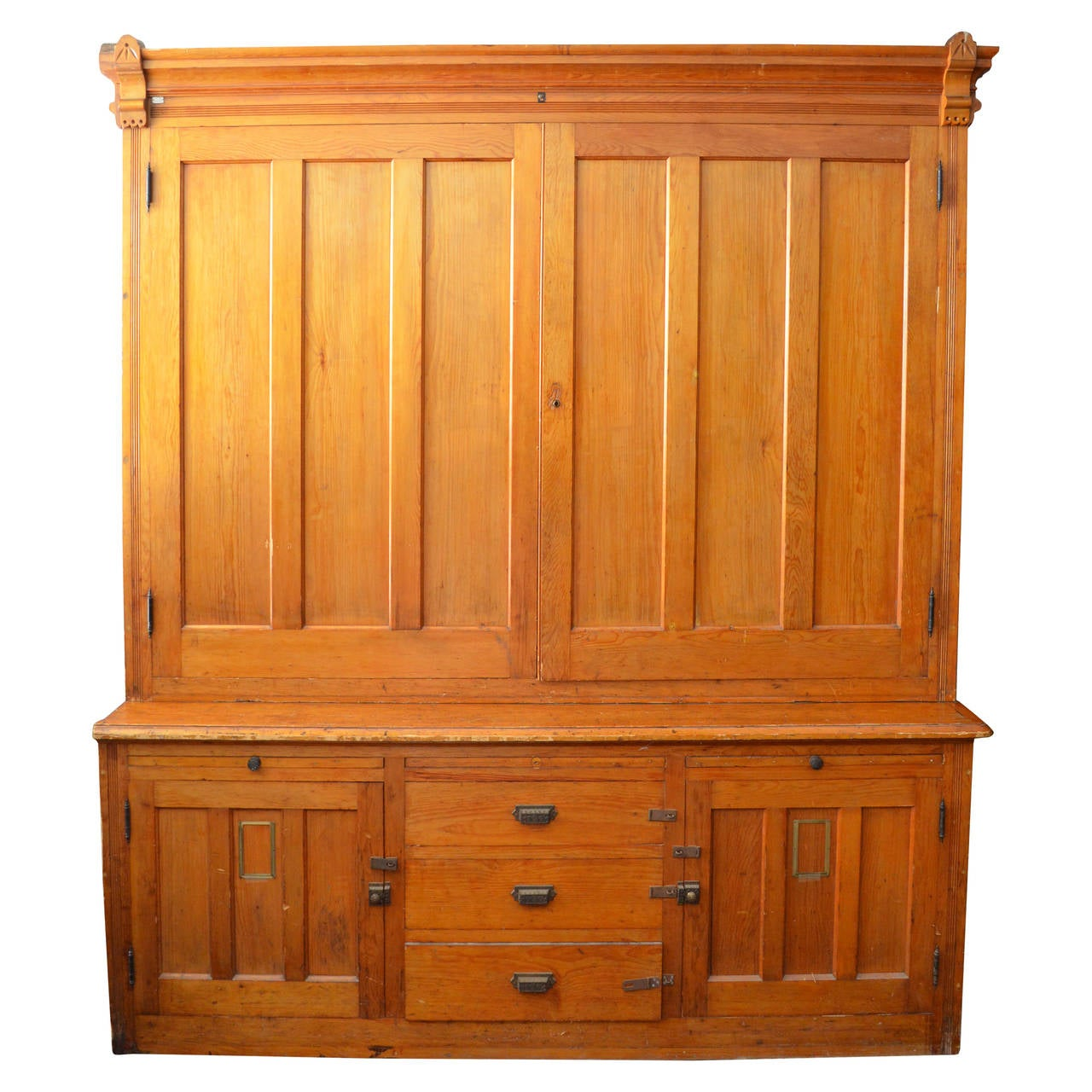 Cabinet of native pine from university botany department circa 1890s at 1stdibs - Cabinet recrutement agroalimentaire ...
