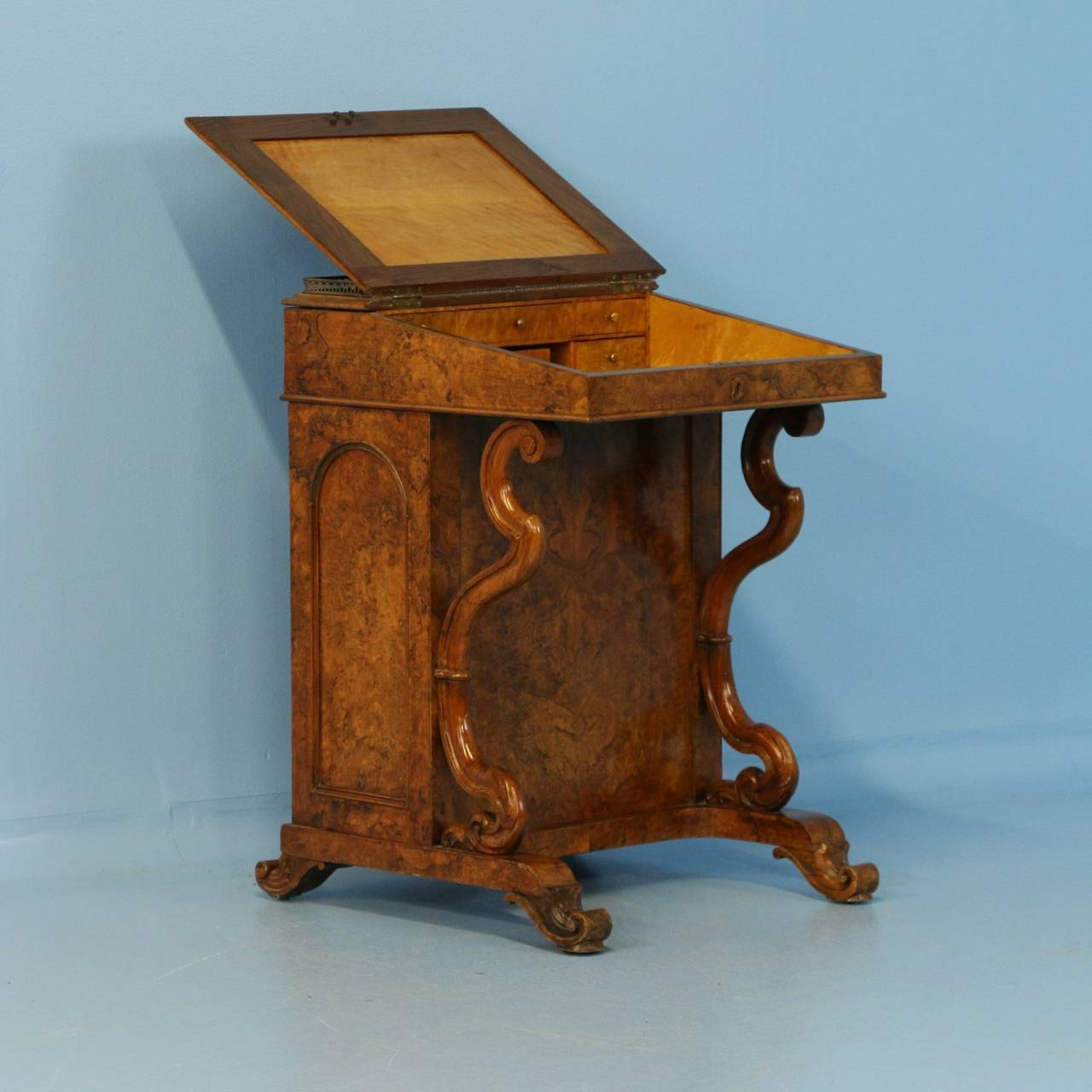 Antique English Davenport Desk, Circa 1800 3