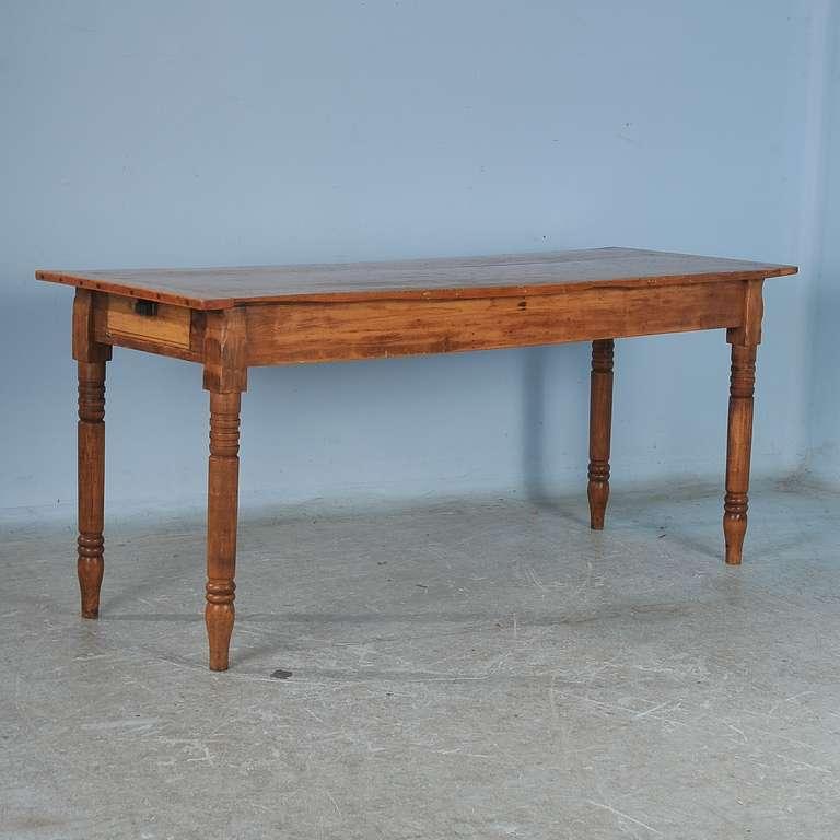Antique Narrow Pine Table USA at 1stdibs : DSC5211l from www.1stdibs.com size 768 x 768 jpeg 42kB