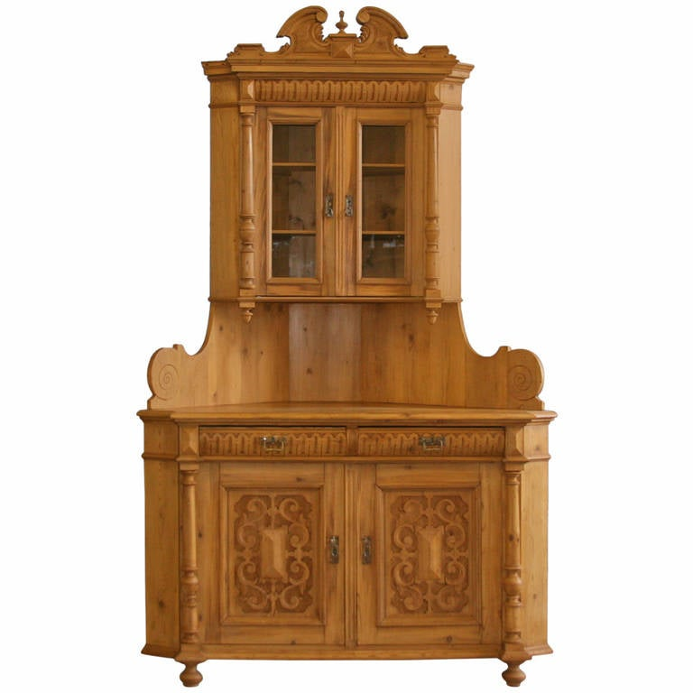 Antique Highly Carved, Pine Corner Cupboard 1 - Antique Highly Carved, Pine Corner Cupboard For Sale At 1stdibs