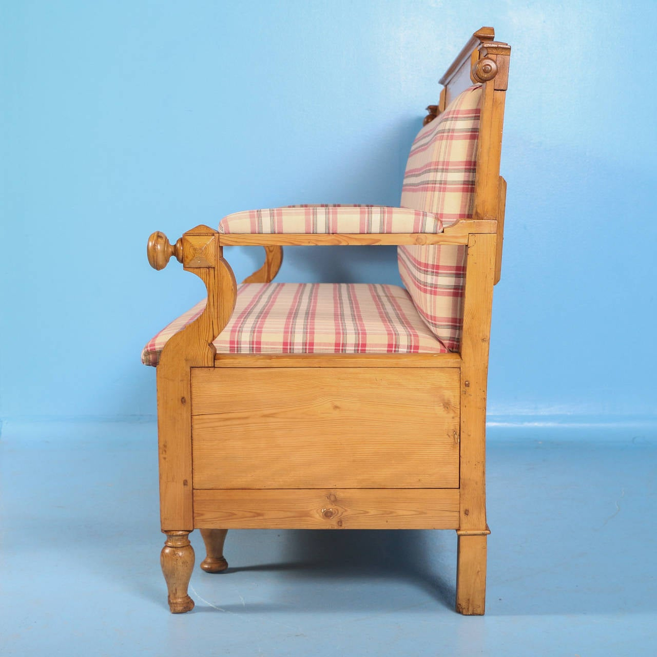 Antique Swedish Pine Bench with Upholstered Seat, circa 1890 For Sale 1