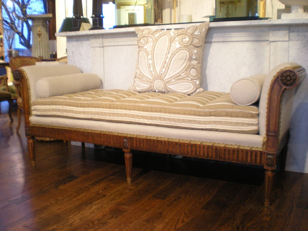 French daybed bench at 1stdibs Daybed bench