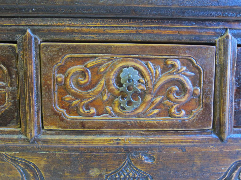 19th Century Chinese Altar Table In Excellent Condition For Sale In New York, NY