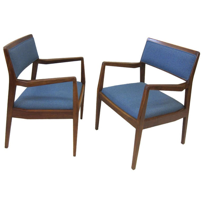 Pair Jens Risom Playboy chairs