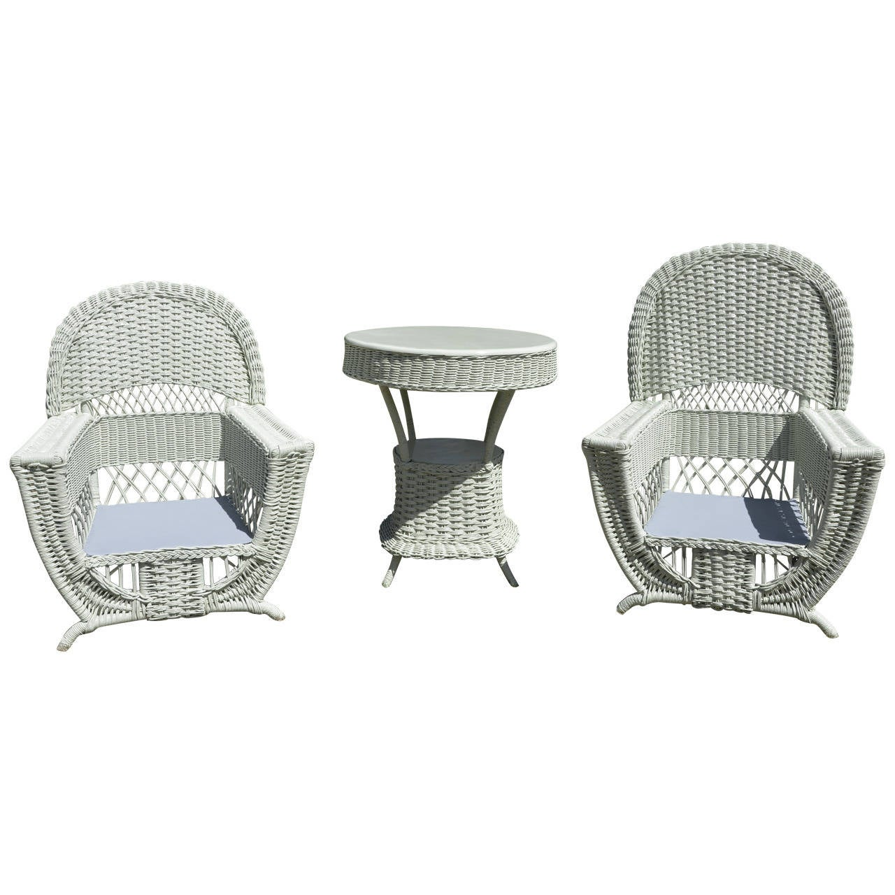 High Style Antique Wicker Parlor Set For Sale