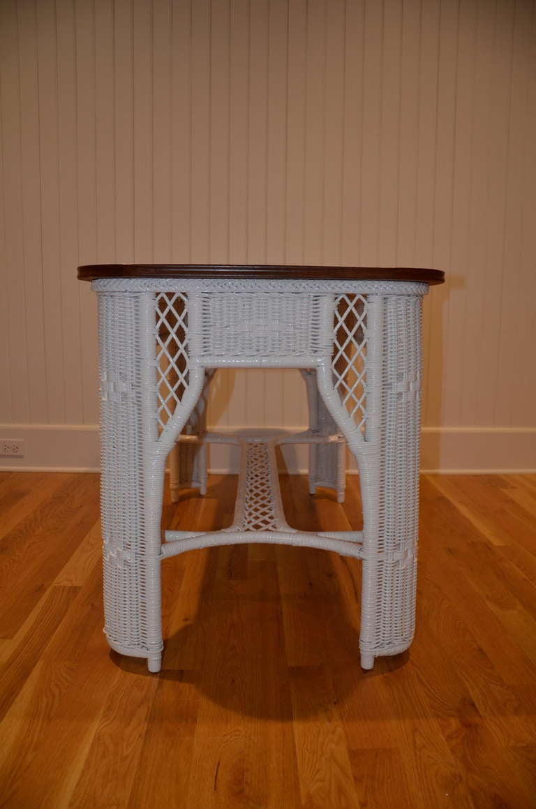 Antique Wicker Table In Good Condition For Sale In Old Saybrook, CT