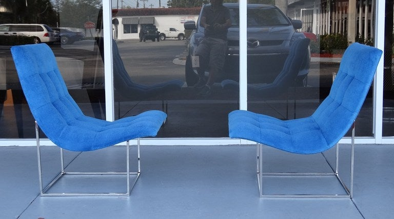 Pair of Milo Baughman Scoop Lounge Chairs image 6