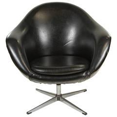 1960s Swivel Egg Chair in Black Vinyl