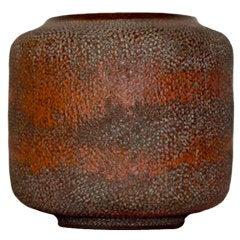 Gertrud & Otto Natzler - K328. Rare, Red Textures Vase