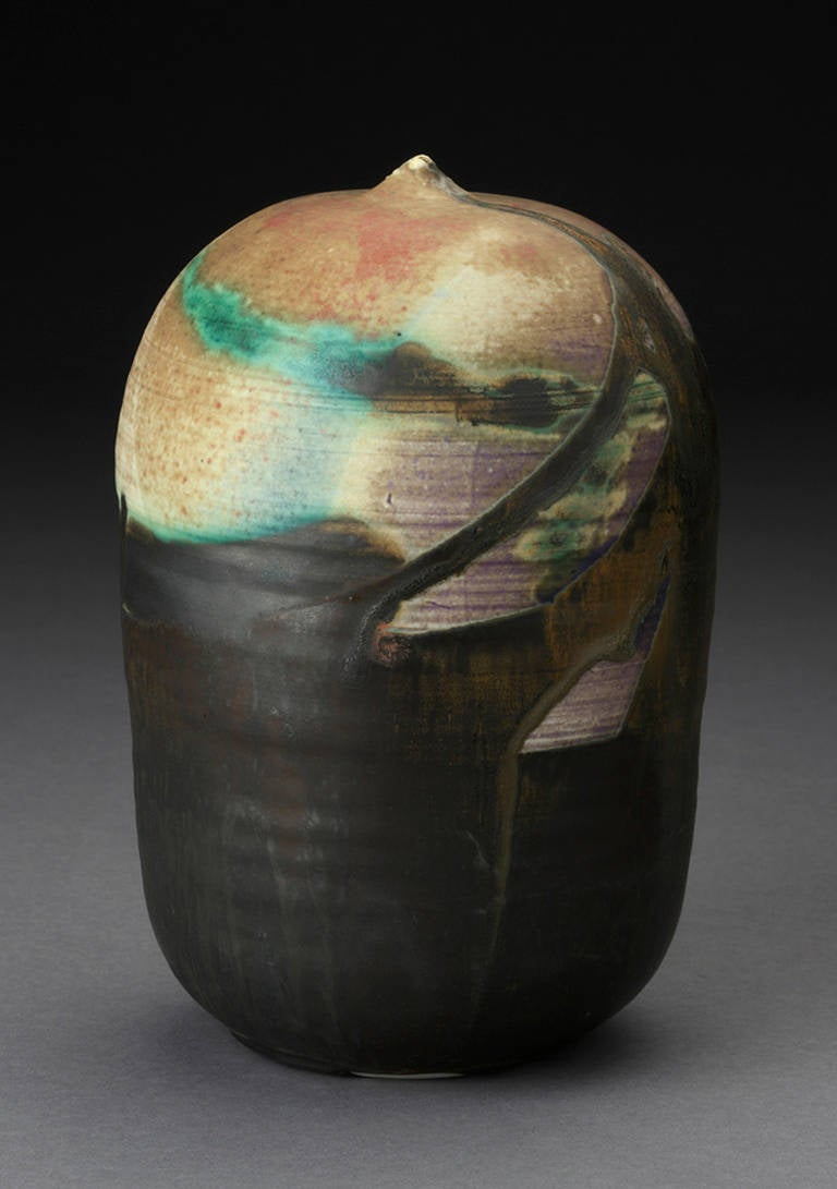 Toshiko Takaezu Porcelain Closed Form Pot For Sale at 1stdibs