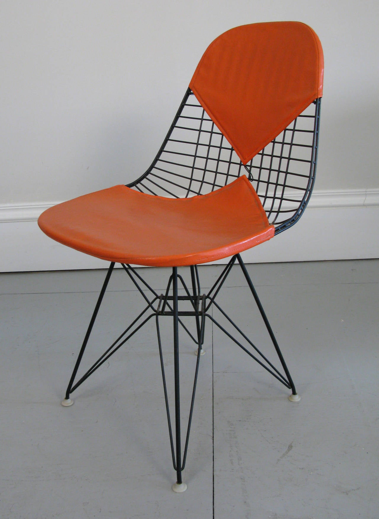 Four 1950s Eames DKR Wire Chairs For Herman Miller At 1stdibs