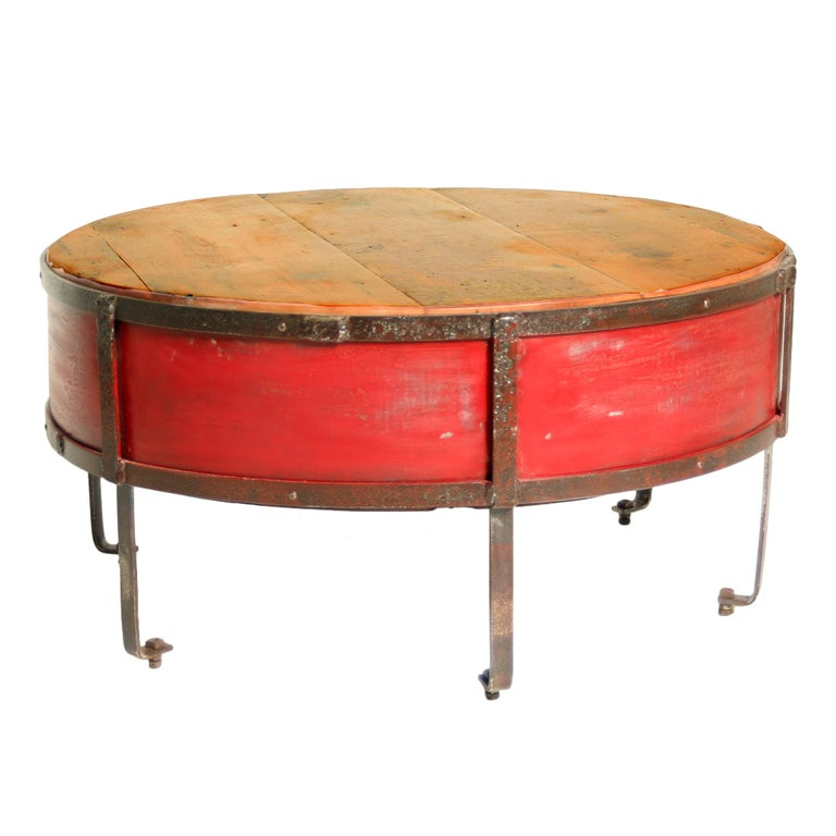 Vintage industrial round red coffee table at 1stdibs for Vintage coffee table