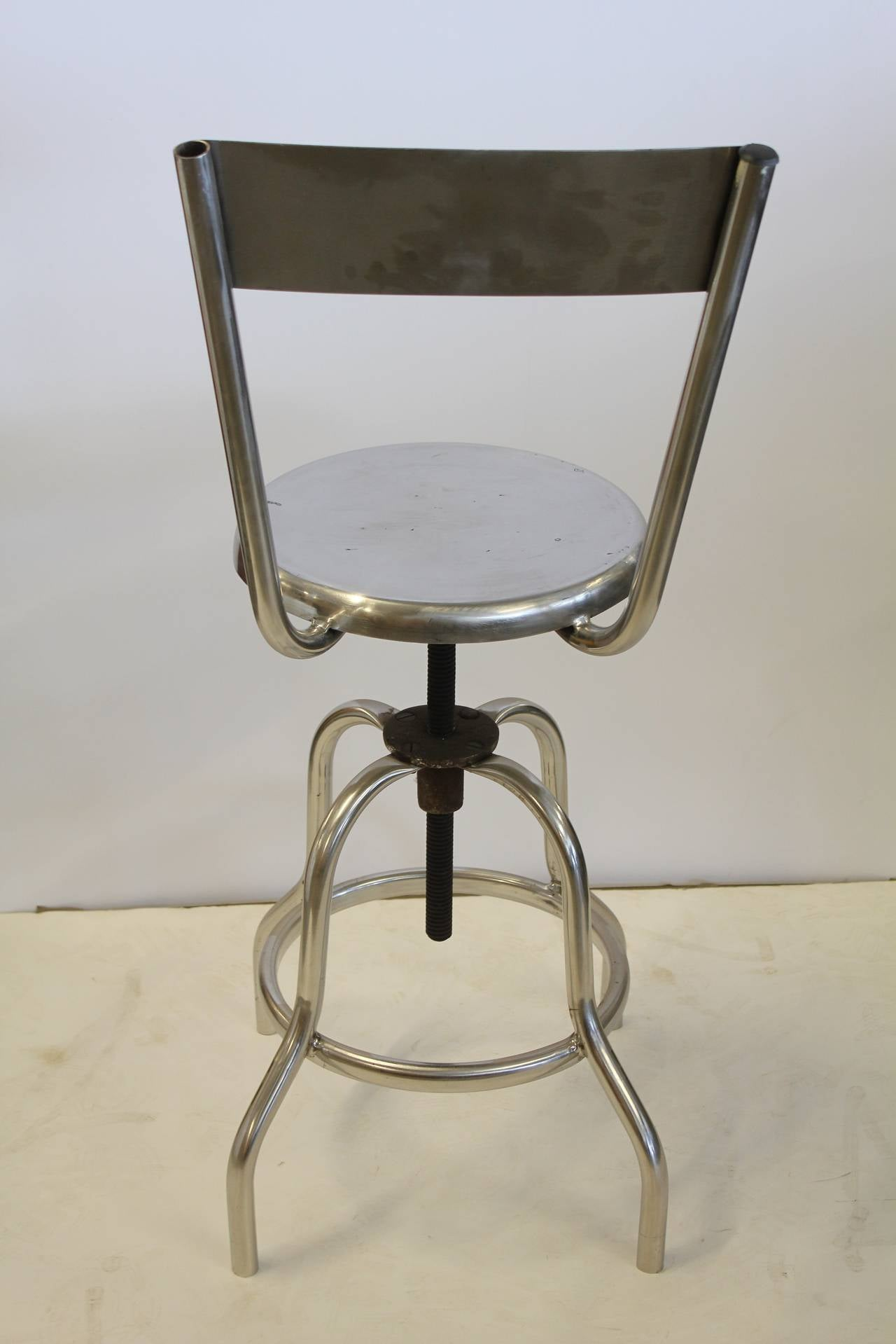 Vintage Industrial Swivel Adjustable Stool In Good Condition For Sale In Chicago, IL