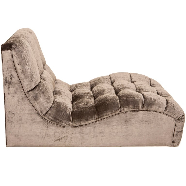 Mid century tufted velvet chaise longue for sale at 1stdibs for Chaise longue chilienne