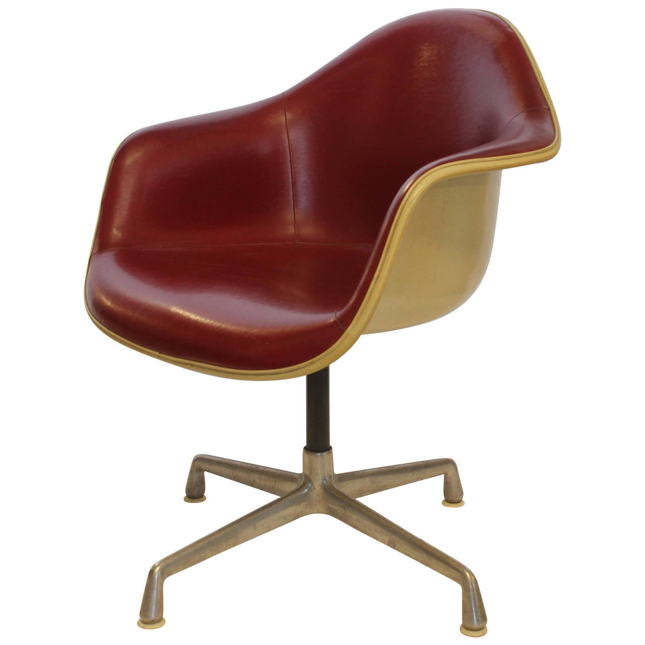 charles eames swivel bucket chair for herman miller for sale at 1stdibs. Black Bedroom Furniture Sets. Home Design Ideas