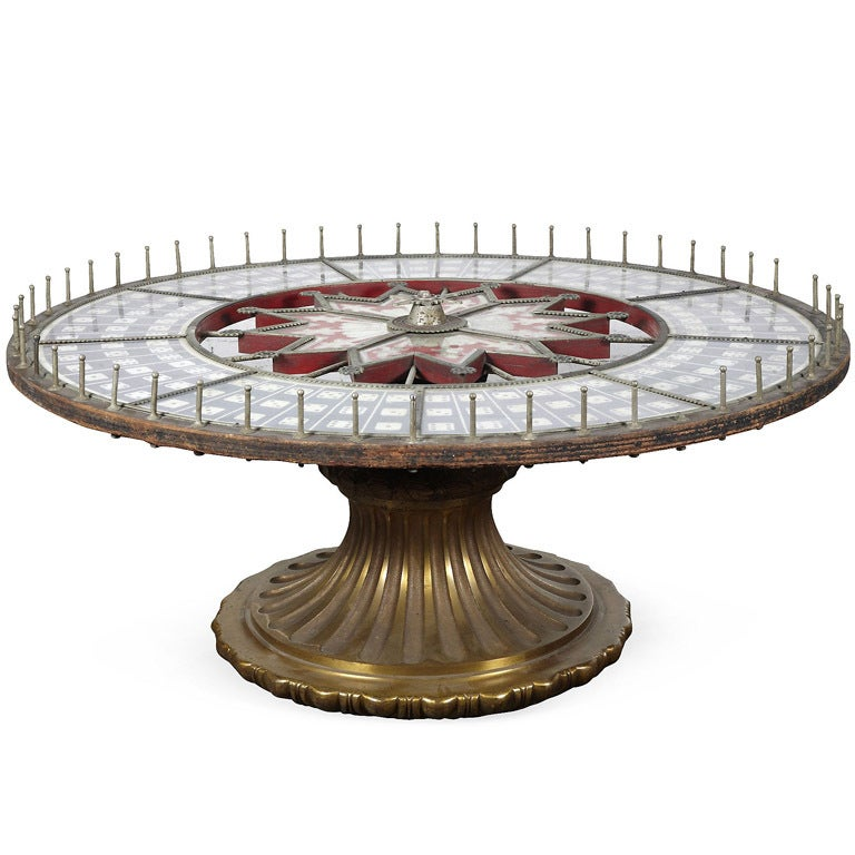 Amazing roulette wheel game table
