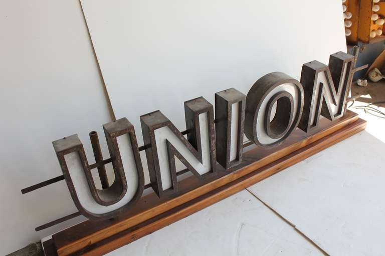 "1930's Light Up Sign "" UNION"" image 3"