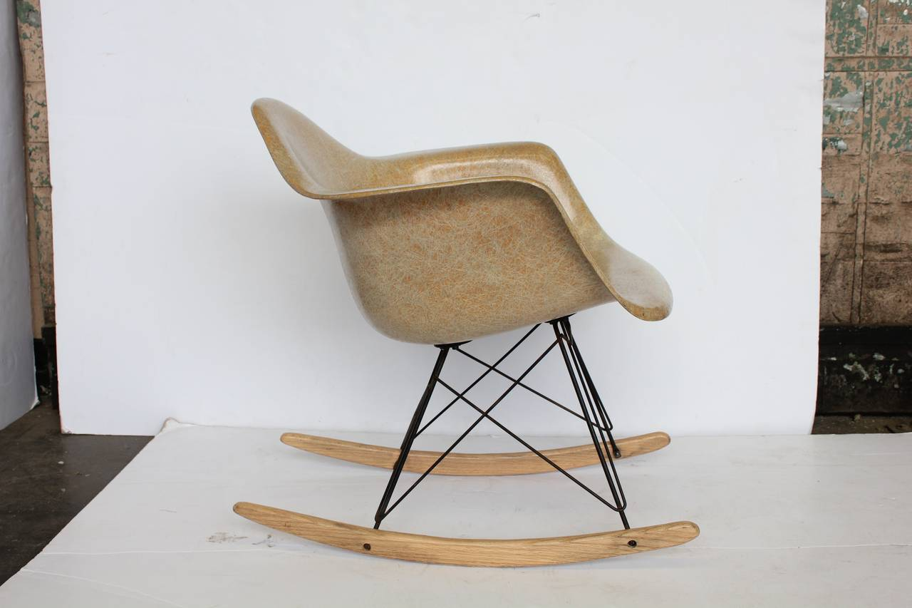 Eames Rocking Chair : Early charles eames rocking chair for herman miller for sale at 1stdibs