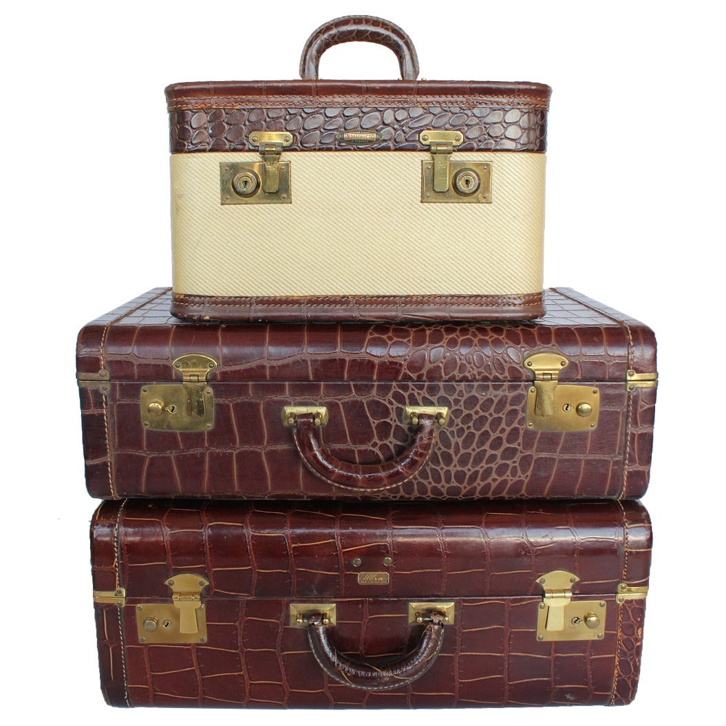 Set Of 3 Vintage Leather Suitcases For Sale At 1stdibs