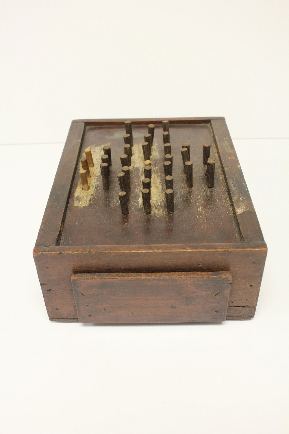 Antique Folk Art Aggravation Wooden Box Peg Board Game In Good Condition For Sale In Chicago, IL