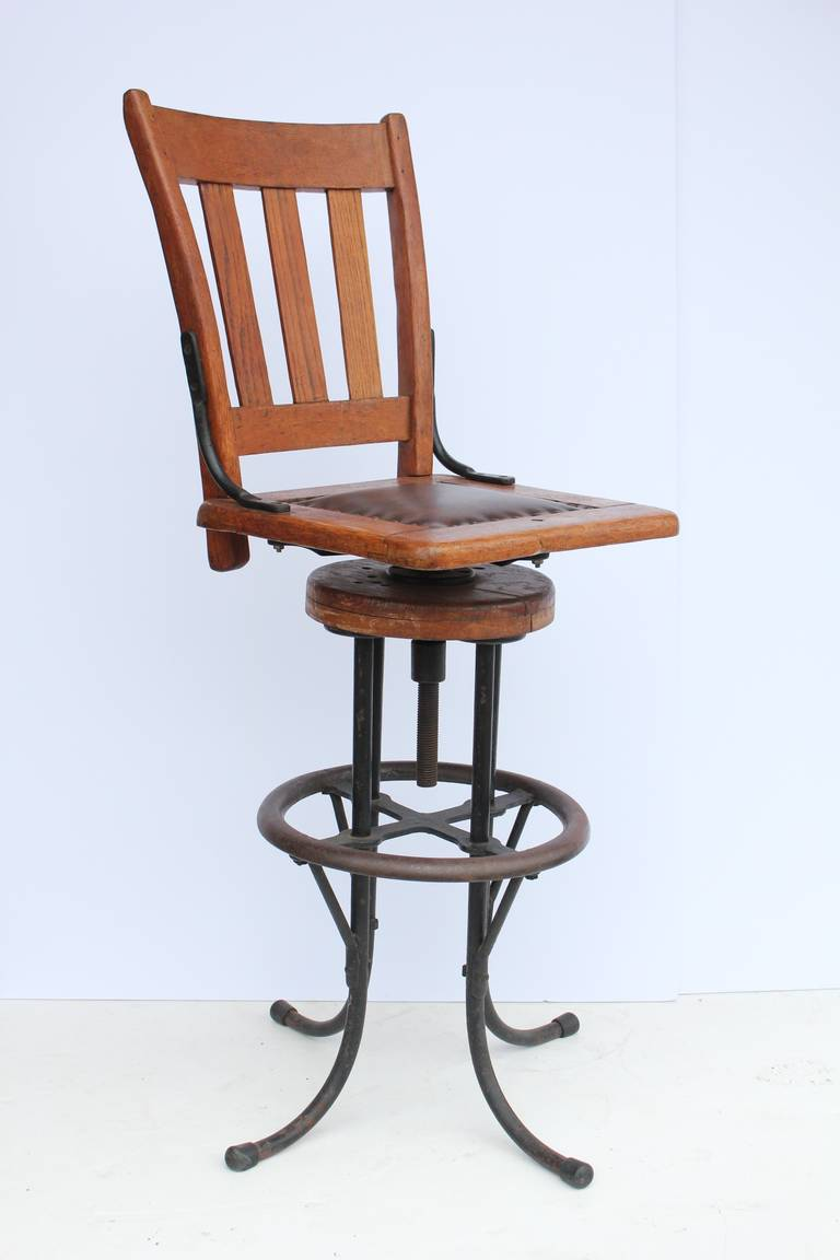 Great antique industrial architect or drafting stool with adjustable seat height. Seat H 29