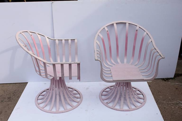 Mid-Century Lounge Chairs by Russell Woodard In Good Condition For Sale In Chicago, IL