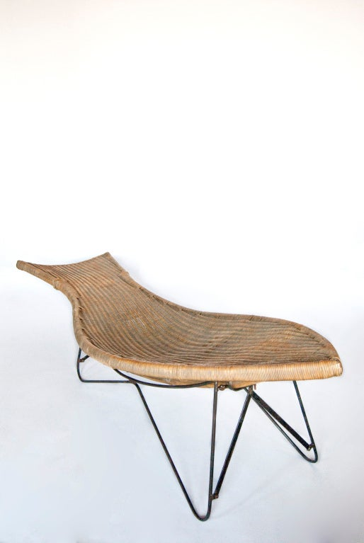 Mid century american wicker chaise longue for sale at 1stdibs for Chaise longue rattan